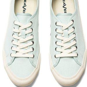 Monterey SeaVees Women Starlight NWOB Size 11 Shoe